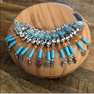 Jewelry - EUC BOHO STYLE BIB STATEMENT NECKLACE